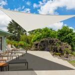 Outsunny Toldo vela color crema sombrilla parasol triangulo Tela de Poliéster jardin playa camping sombra (varios colores y medidas)